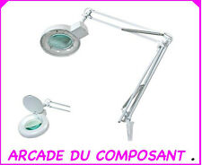 1 LAMPE LOUPE DE TABLE 5 DIOPTRIES AVEC TUBE NEON 22W  Poids 3,300Kg
