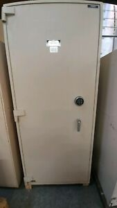 Diebold Security Safe- Empty Inside (Used; TL15)