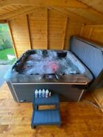 "2021 NEW  ""THE VELA""  LUXURY HOT TUB SPA 5 6 PERSON BALBOA JAN DELIVERY"