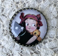 LITTLE GIRL AND BLACK CAT Glass STUDIO BUTTON 30mm VINTAGE HALLOWEEN ART