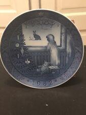 Royal Copenhagan Christmas Plate 1982 Waiting For Christmas
