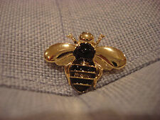 TEN79LA BOUTIQUE DESIGNER BEE METAL PIN BROOCH - BRAND NEW