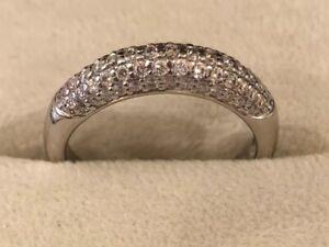 18k Gold & Palladium Round Cut Diamond Pavé Ring