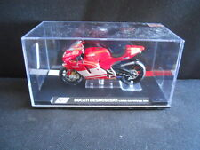 Die Cast Model Moto 1:24 DUCATI DESMOSEDICI Loris Capirossi 2004 [N3-7 ]