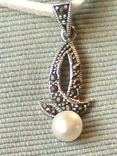 "STERLING SILVER MARCASITE & PEARL1""PENDANT on a WHITE SUEDE 18"" THONG £10.95 nwt"