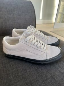 Vans Old Skool Trainers Size 4 Suede 'Off White'
