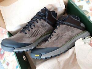 "Danner Men's TRAIL 2650 GTX Mid Brown / Green 4"" Waterproof Hiking Boots 61243"