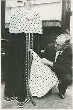 Manteau royal pour l'investiture du prince de Galles  Vintage silver Print
