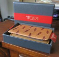 Tumi Leather Gusseted Card Case w/ ID Window Geometric Print Hexagon NEW!