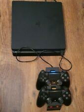 Playstation 4 500gb Slim With 2 Controllers And Twin Docking Station