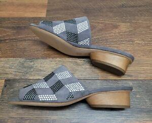 Donald J Pliner Women's Jula Gray Suede Sandals Size 7M