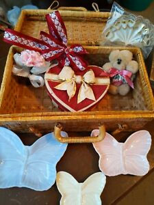 Wicker Basket With 3 Butterfly Plates, Tiny Plush Bear & More