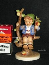 "Goebel Hummel Figur 142 ""Herbst Junge"", Junge auf Baum, apple tree boy"