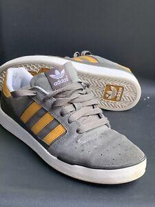 ADIDAS SKATE CIERO Uk Size 8 Grey & Gold VGC