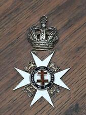 More details for vintage maltese cross masonic knights templar enamel medal bernard de tremelay