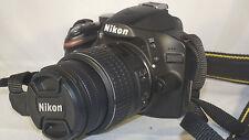 Nikon D3200 24.2MP Digitalkamera mit II 18-55 mm Objektiv, 1038 Auslösungen