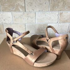9aaf4eacc3c TEVA CAPRI WEDGE UNIVERSAL PERLIZED TAN LEATHER STRAPPY SANDALS SIZE 8  WOMENS