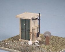 Ratio 549 SR/BR Frogmans Lineside Hut Tools Area 20x15mm '00' Gauge Kit 1St Clas
