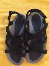 HI TECH Waimea Falls Woman Strap Sandals Black Size 6 Walking Hiking Shoe