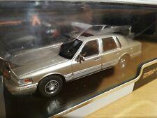 LINCOLN Town Car von 1996 in champagner metallic - Premium X 1:43 (019)