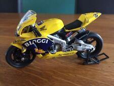 HONDA RC211V N°3 MAX BIAGGI 2003 TEAM CAMEL HONDA PONS Moto GP 1/18e en bon état