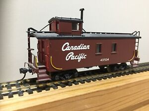 HO CP VH Models Brass Wood Sheathed Caboose, Painted Script Lettering