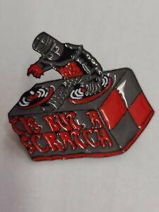 Tis But A Scratch DJ Monty Python Enamel Pin Badge Black Knight