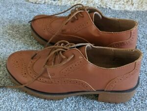Unbranded Brogue style Brown Shoes Size 5