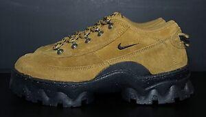 W Nike Lahar Low Wheat DB9953-700 Women's Size 7.5