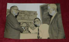 1960 Press Photo Electronic Communication Equipment For Ocean Transport EICO