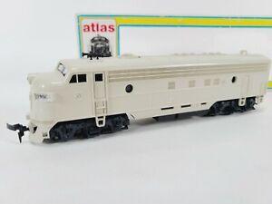 Atlas 8303 Undecorated FP-7 Diesel Train Engine Dyn - 2H/L HO Vintage NEW