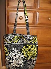 Vera Bradley handbag bucket style