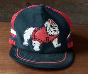 Vintage GEORGIA BULLDOGS SNAPBACK TRUCKER HAT BASEBALL CAP with MESH SIDES