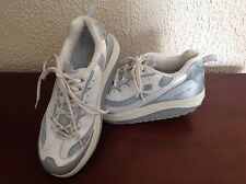 Sketchers Shoes Women's Size 9 Blue White & Silver EUC