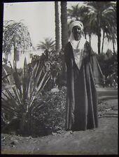 Glass Magic Lantern Slide AN ARAB MAN - GUIDE C1910 EGYPT ? PHOTO