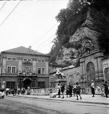 AUTRICHE c. 1953 -  Abreuvoir à Chevaux  Salzbourg - Négatif 6 x 6 - Aut 206