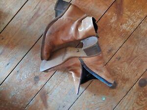 Ladies Tan leather ankle boots size 4 Vintage 2.5 heel.