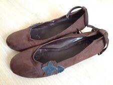 Chaussures plates en suédine marron pointure 40 talon 3cm