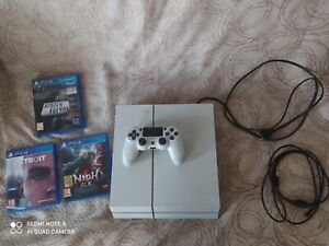Sony Playstation 4 + joypad originale + 3 giochi