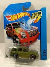 Hot Wheels '07 CADILLAC ESCALADE COLOR SHIFTERS Green & Red 2013 Unopened