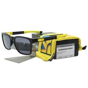 Oakley OO 9272-17 Valentino Rossi VR46 Catalyst Polished Black Grey Sunglasses