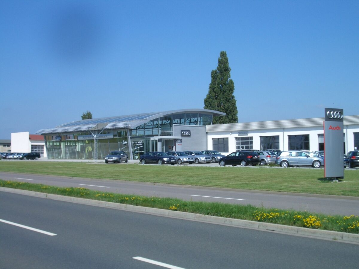 Autohaus im Husarenpark