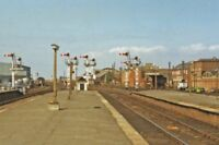 PHOTO  LINCOLNSHIRE  CLEETHORPES RAILWAY STATION OUTWARD TOWARDS GRIMSBY 1983