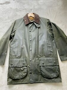 Barbour Jacke Classic Beaufort oliveWachsjacke aus Baumwolle mit Kunstfell