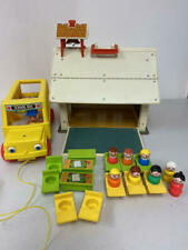 VINTAGE FISHER PRICE LITTLE PEOPLE PLAY FAMILY SCHOOL W ACCESSORIES, BUS