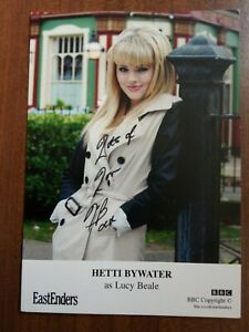 HETTI BYWATER *Lucy Beale* EASTENDERS HAND SIGNED AUTOGRAPH CAST CARD FREE POST