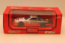 Racing Champions #17 Darrell Waltrip Diecast 1:24 Scale Replica Stock Car