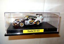 1:43 Le Mans Tourenwagen Modellauto 1999 PORSCHE 911 GT2 schwarz/weiß 1:43 BOX