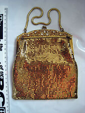 VINTAGE MESH BAG WHITING & DAVIS Co USA GOLD COLOURED WITH CRYSTALS a1t25o