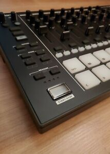 Roland MC707 Groovebox